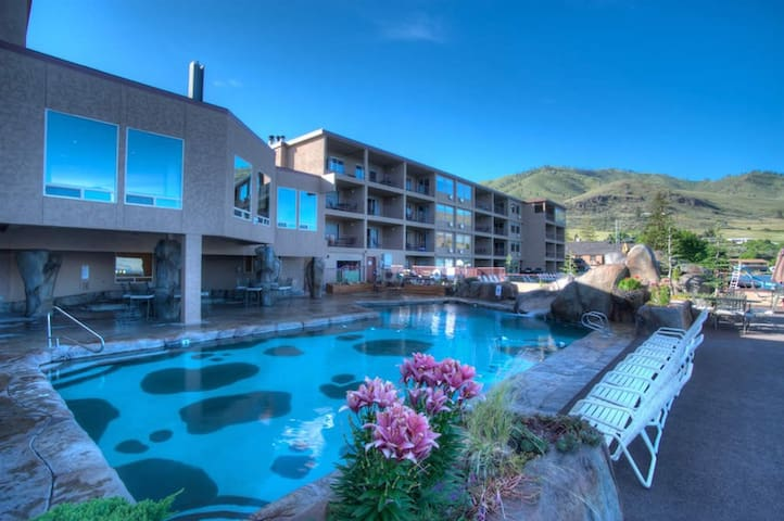 Studio Grandview on the Lake Unit - Chelan