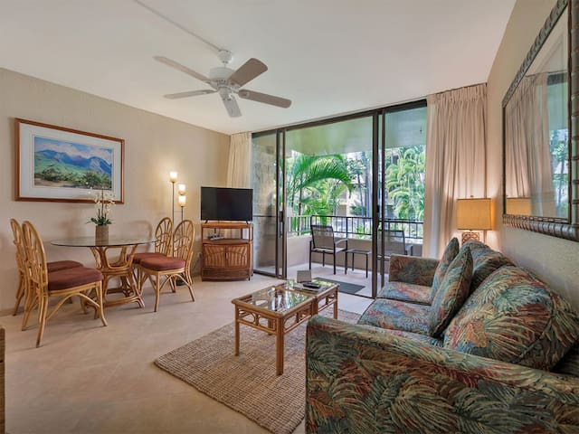 Tropical Condo w/Tile Floor, Lanai, Fresh Kitchen, WiFi, Flat Screen–Paki Maui 219
