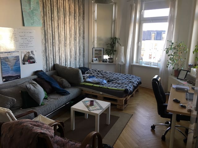 25m² room in a shared flat