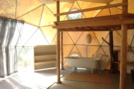 Geodesic Dome on Beautiful Land - Laytonville - Khemah Yurt