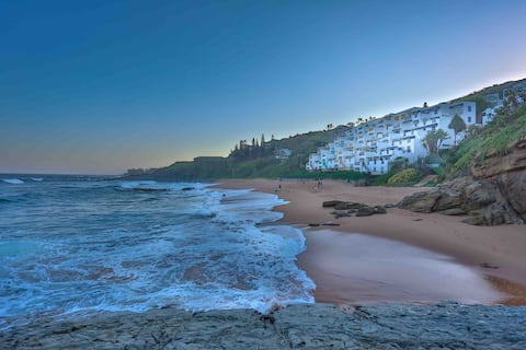 BEACH@101 ....Direct Beach Access!!!
