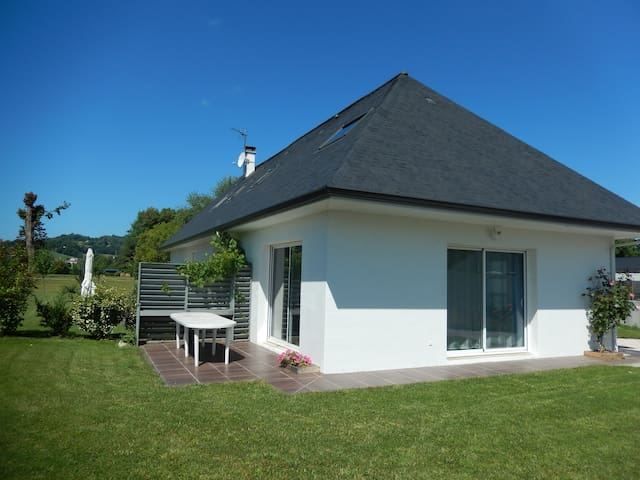 Gîte 2 chambres au pied des Pyrénées - Nay - House