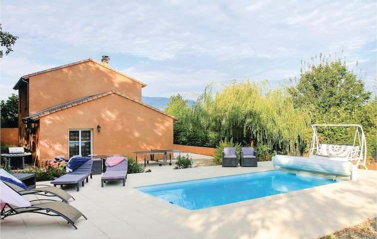 Holiday cottage with 5 bedrooms on 170m² in St Eulalie en Royans