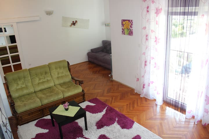 Apartments Mateljak no5 - Gradac - Daire