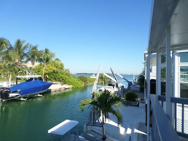 Cudjoe Key OCEANFRONT 2B/2B in gated community!!