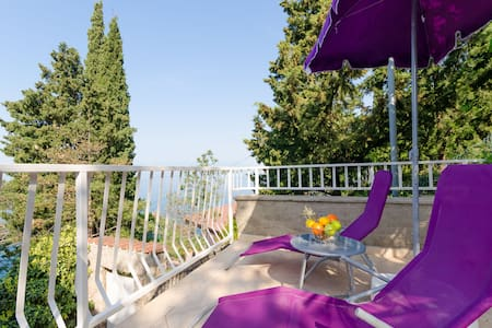 Studio Apartment, beachfront in Kraljevica, Terrace