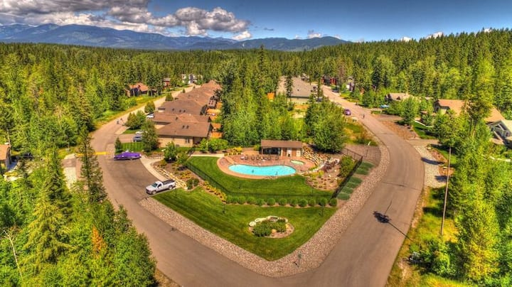 Brand new 2 bedroom Meadowlake condo!! Summer pool and hot tub!!