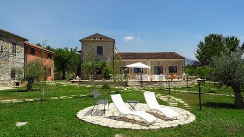 AGRITURISMO IL PIOPPETO - Studio