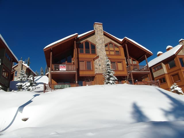 Spacious Chalet with Ski Access - Kootenay Boundary E - Chalet