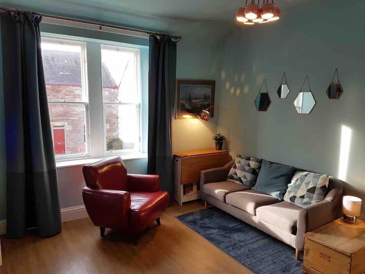 Stylish flat in Gullane village