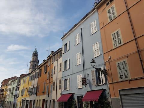 """Casa VERDI """"Nabucco""""  plain city center of Parma"""