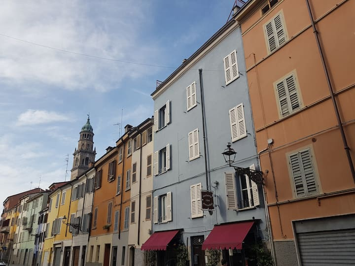 "Casa VERDI ""Nabucco""  plain city center of Parma"