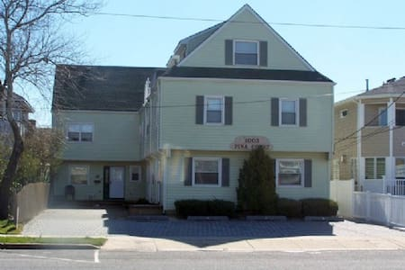 Lavallette 4 bedroom townhouse, ocean block