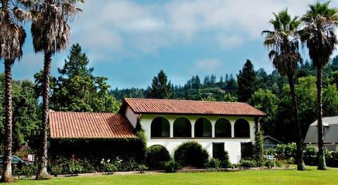 Spanish Villa Inn in St Helena,  Napa valley