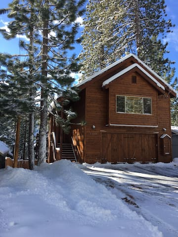 Beautifully Convenient Ski Gem - Donner Lake, Truckee