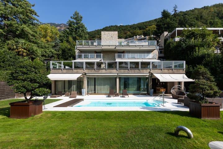 Magnifico 3.5 locali di 260 M2 in Riva al Lago