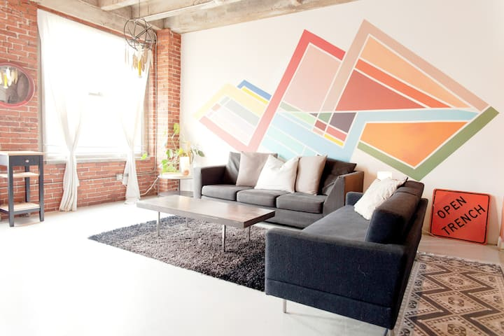 Artist's Loft Walking distance from Staples Center