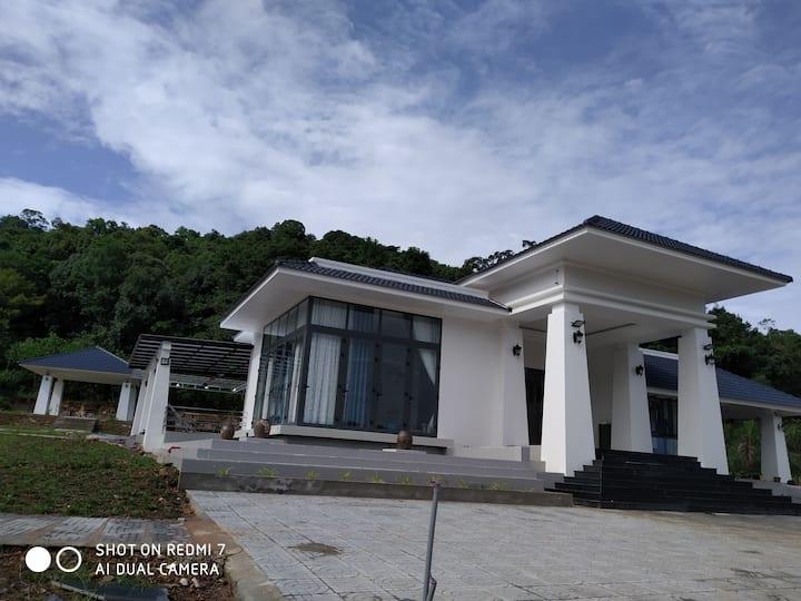 The Ky house, on mountain, near beach, friendly