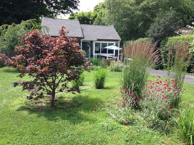 Sweet Southold Beach Cottage - Southold - Hus