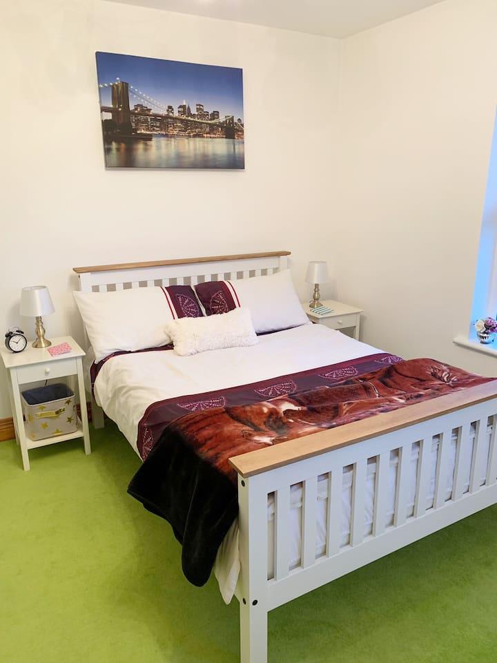 Beautiful modern room on the Coast, Portstewart