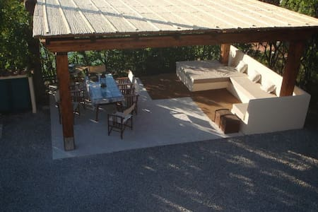 Villa a Procchio - Procchio