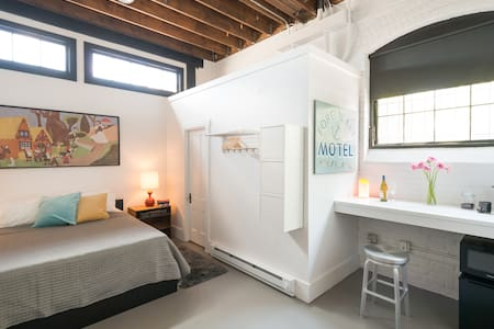 Stylish Studio in a Historic Mill - Providence - Loft