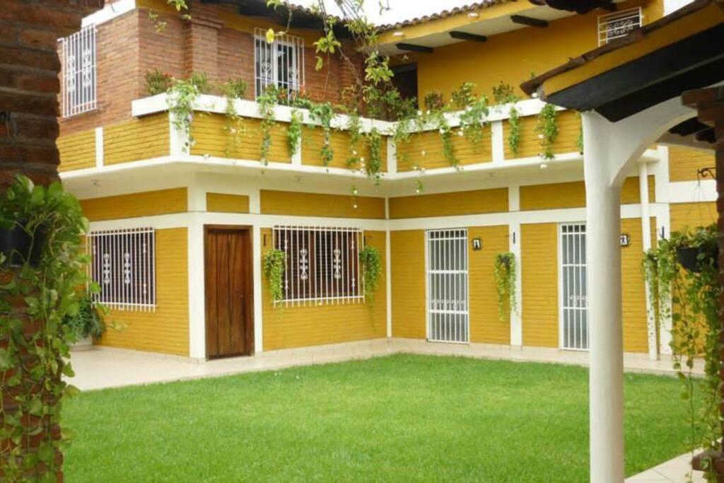 Acceso a Villa Rafael y Arcángel