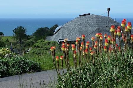 Rare Sonoma coast  hideaway