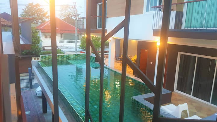 2BRs private pool in BKK, Calm area 3km to metro