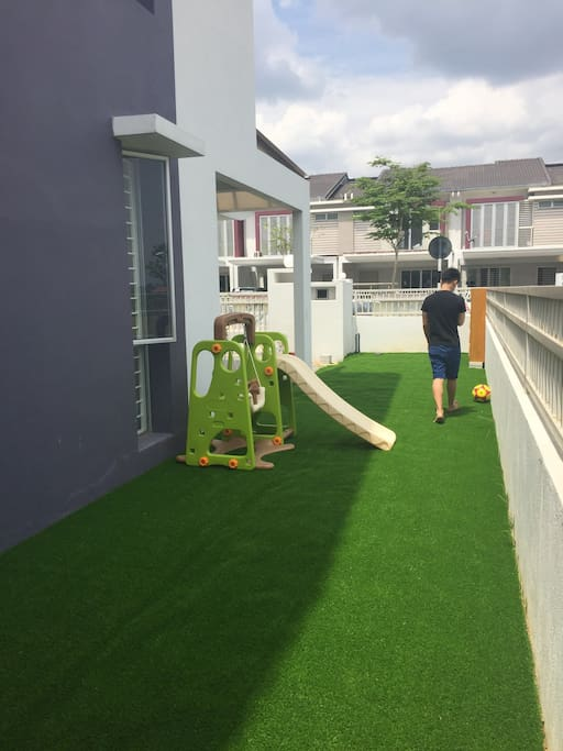 A swing set for kids available
