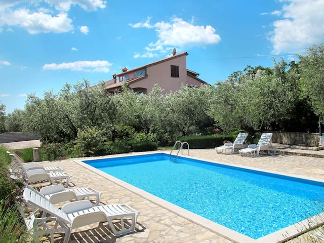 Two bedroom apartment in a holiday house Giuliano with lovely pool