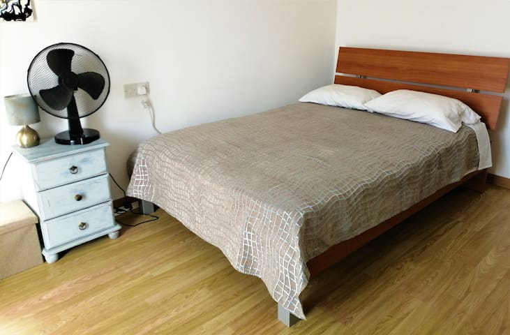 Spacious Balcony Room in Paphos Town Centre