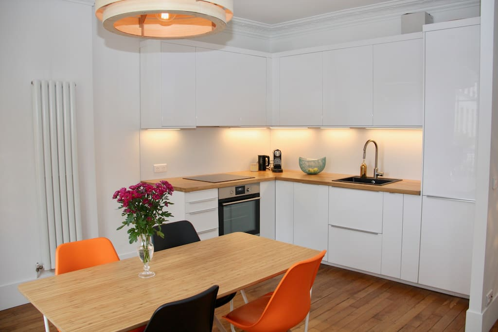 All furnished kitchen - Cuisine toute équipée