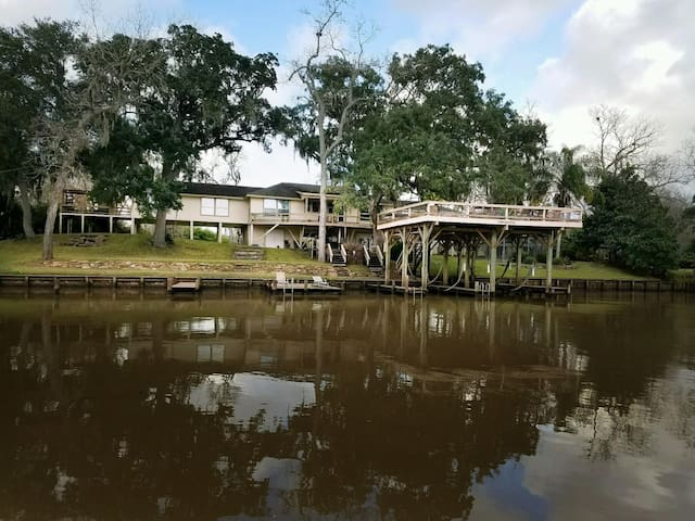 Peaches Retreat on the San Bernard River - Brazoria - Haus