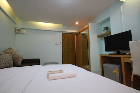 Cozy Place at Srinakarin Rd. near Airport - Samut Prakan