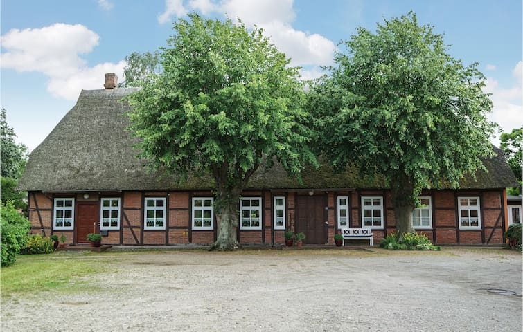 Semi-Detached with 3 bedrooms on 110m² in Lutterbek