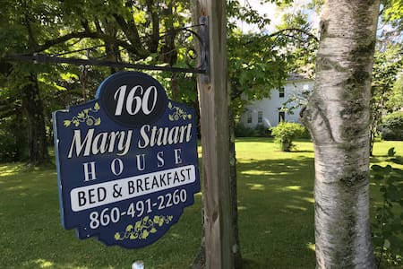 Classic New England Bed & Breakfast