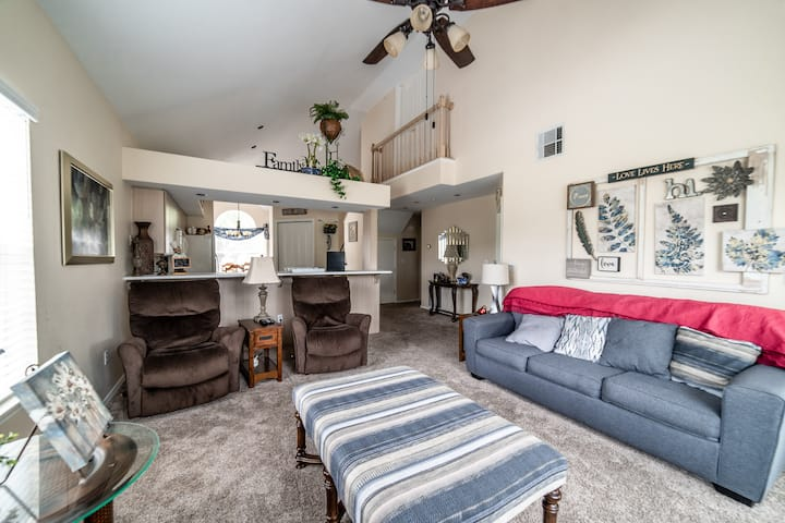 3 Bed, 3 Bath Golf Condo - Course View, Full Kitchen/Dining Room