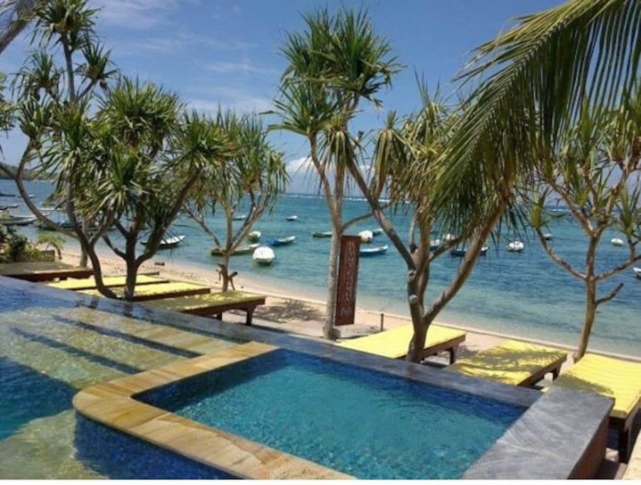 Best view in the heart of Lembongan Island
