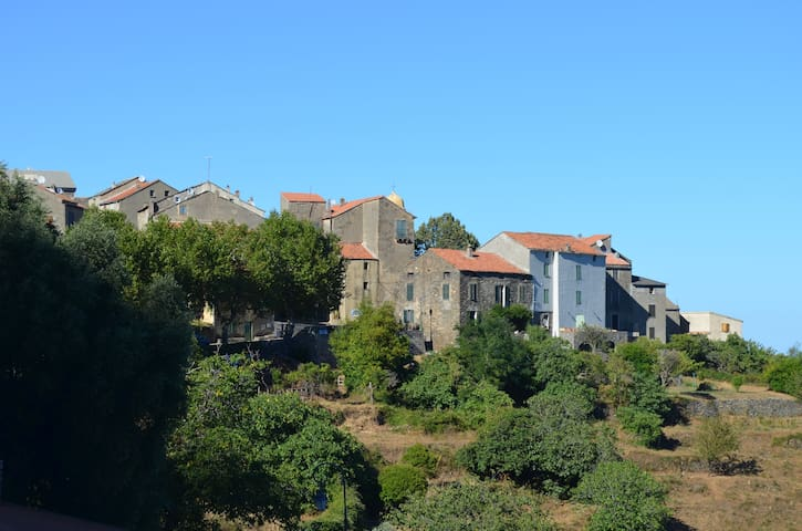 Appartement type F4 de 104m2 entre mer et montagne - Santa-Maria-Poggio - Huoneisto