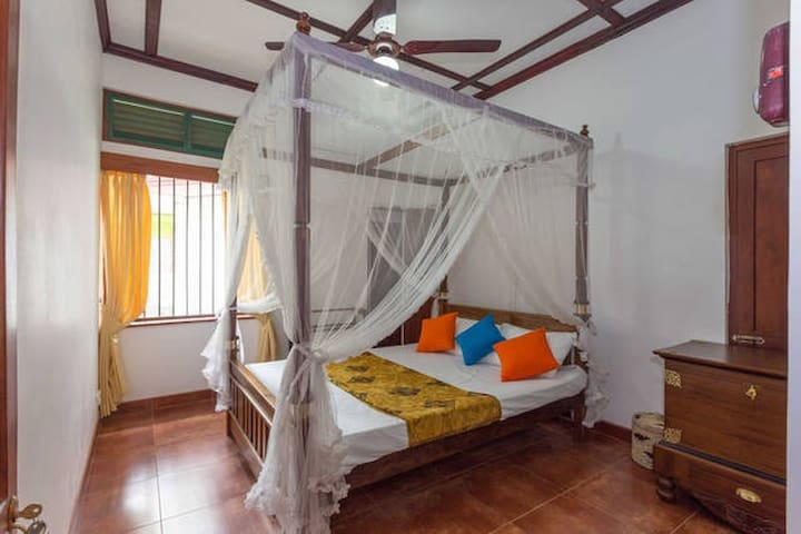 Lovely Second Room in Rajagiriya - Sri Jayawardenepura Kotte - Hus