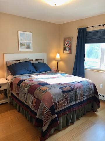 Wolfpaws Bed and Breakfast Room A