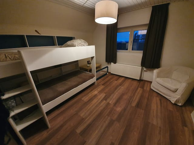 IV Cosy room nearby Ypres city centre