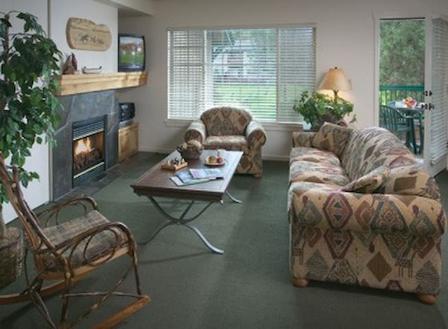 1 Bed Wyndham Running Y, OR - Klamath Falls
