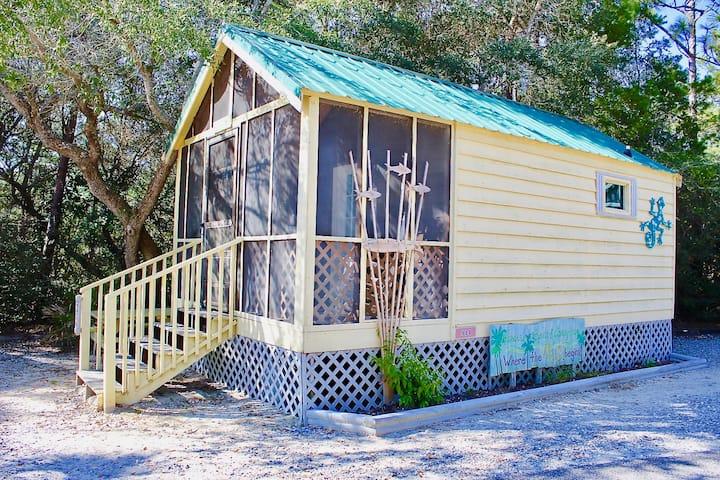 Cozy Cabin A14 Sleep 4/ Pet Friendly