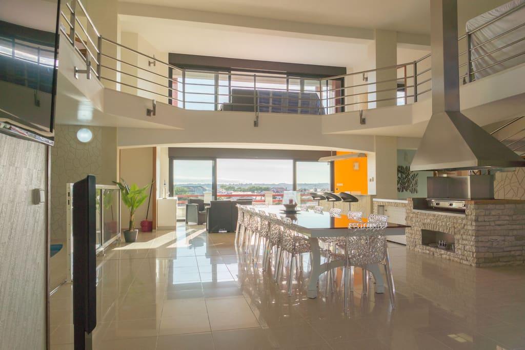 villa d 39 architecte d 39 architecte 424m2 vue ocean maisons louer urrugne aquitaine france. Black Bedroom Furniture Sets. Home Design Ideas