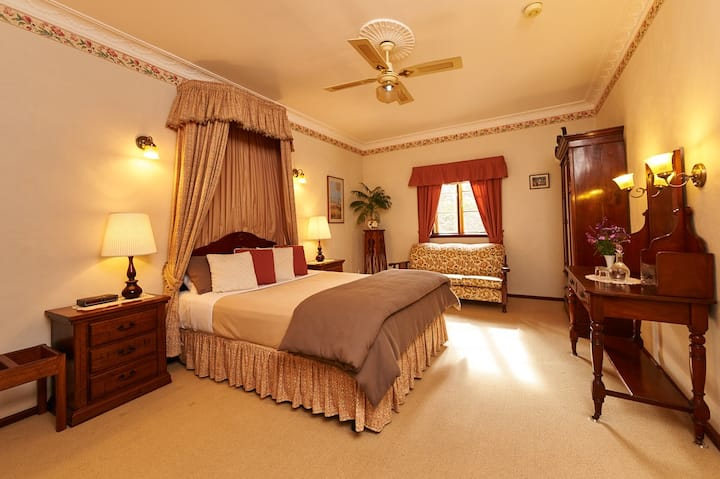 Holberry House - spa room