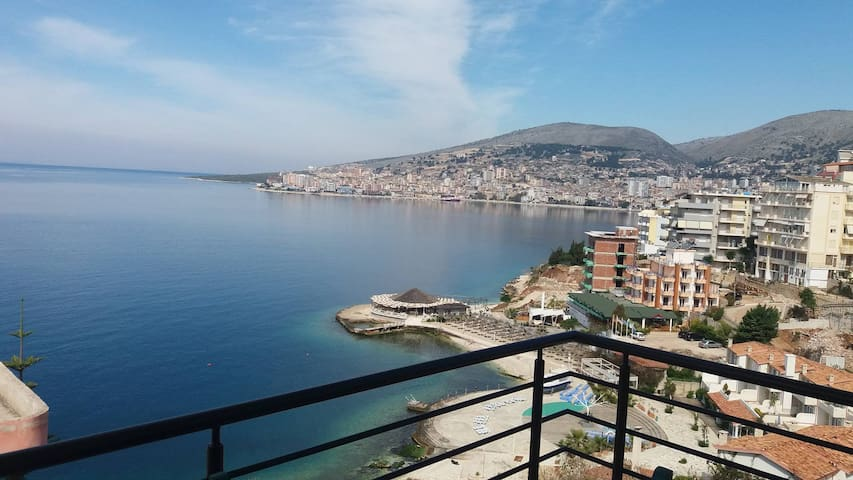 Guest House next to the beach - Sarandë - บ้าน