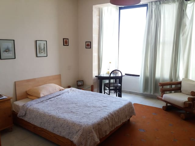 A double bedroom with private bathroom in Sliema - Il-Gżira - Bed & Breakfast
