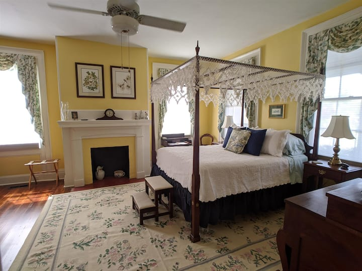 Benjamin Ellis House B&B- Swannanoa Suite